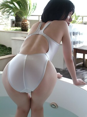 Japanese Moms Porn Pictures