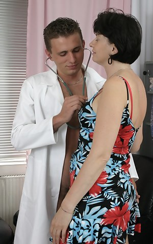 Moms Doctor Porn Pictures