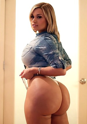 Bubble Butt Moms Porn Pictures