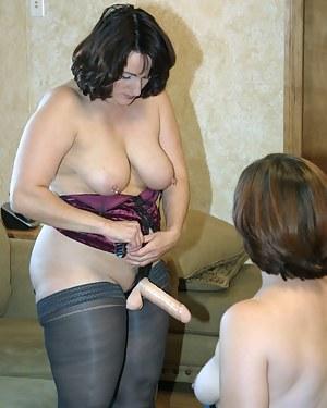 Moms Strapon Porn Pictures