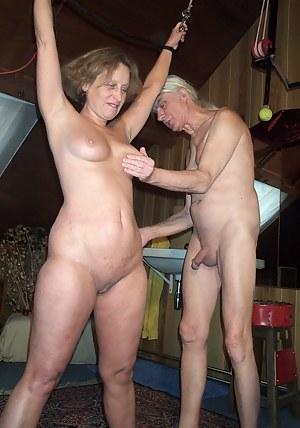 Moms Spanking Porn Pictures